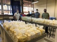 O primeiro lote de doação - formado por 220 kits de produtos - já foi entregue à Secretaria da Ação Social do município, que fará a doação para famílias em situação de vulnerabilidade social