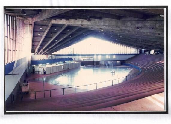Departamentos da UTFPR-CM dentro do ginásio Belin Carolo (1996)