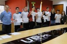 Alunos recebem certificado de participação na V Olimpíada GeoBrasil