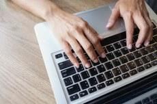 Inscrições devem ser realizadas via Sistema Eletrônico de Informações (Imagem: Freepik)