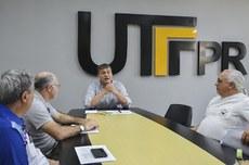 Reunião do reitor com membros do Sindutf   Foto: Decom