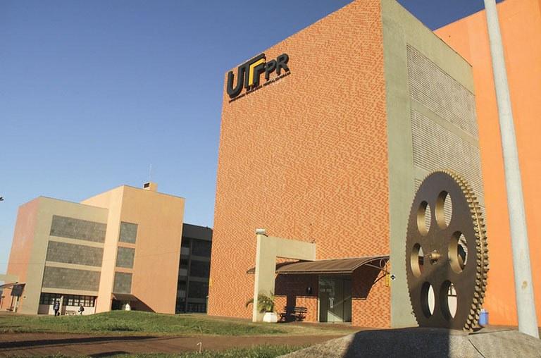 Fachada da UTFPR em Toledo (Foto: Decom)