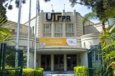 Fachada da Reitoria da UTFPR, em Curitiba (Foto: Decom)