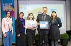 Equipe da UTFPR recebe premiação | Foto: Assessoria da IEL-PR